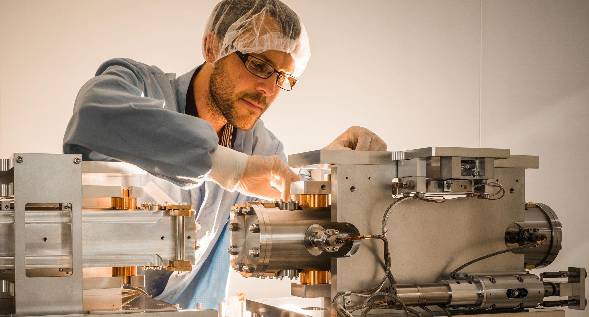 Lignes de lumière Synchrotron : Systèmes opto-mécaniques - IRELEC